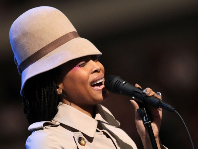 """Erykah Badu's """"Window Seat"""" Video Draws Controversy & Potential Police Action"""