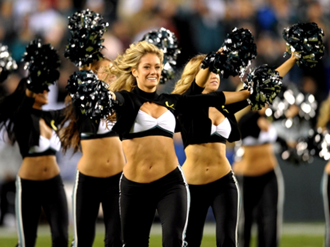 Watch the Eagles Cheerleaders Final Audition for 2010