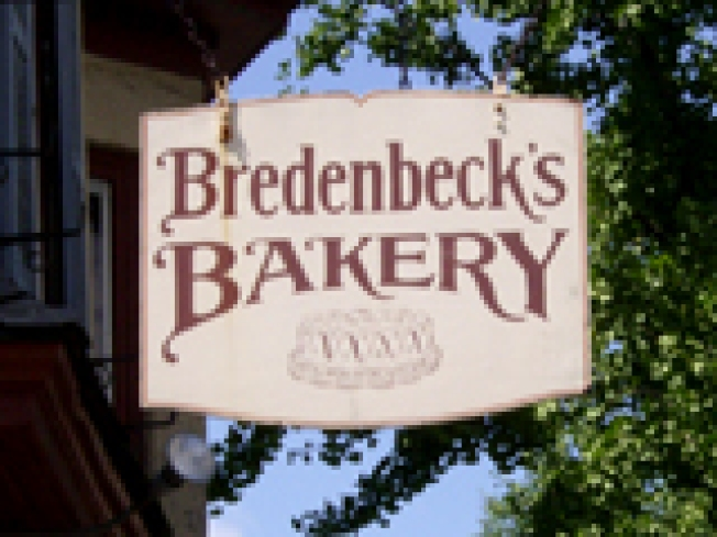 Bredenbeck's Bakery & Ice Cream Parlor: The Art of Icing