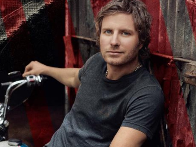 Country Singer Dierks Bentley, Wife Expecting Second Baby