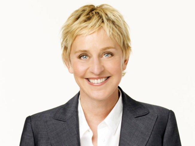 Ellen Tweeting Fans Secret Philly Location Tuesday