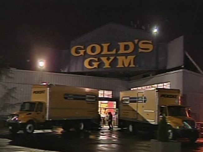 Oaks Gold's Gym Customers Shut Out