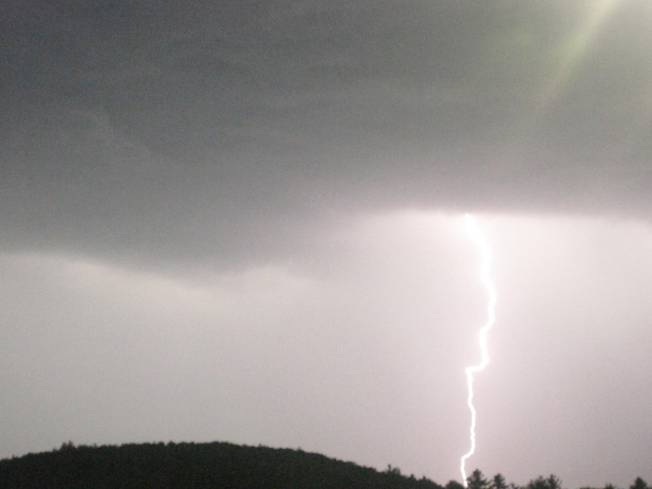 Flight Heading to AC Struck by Lightning
