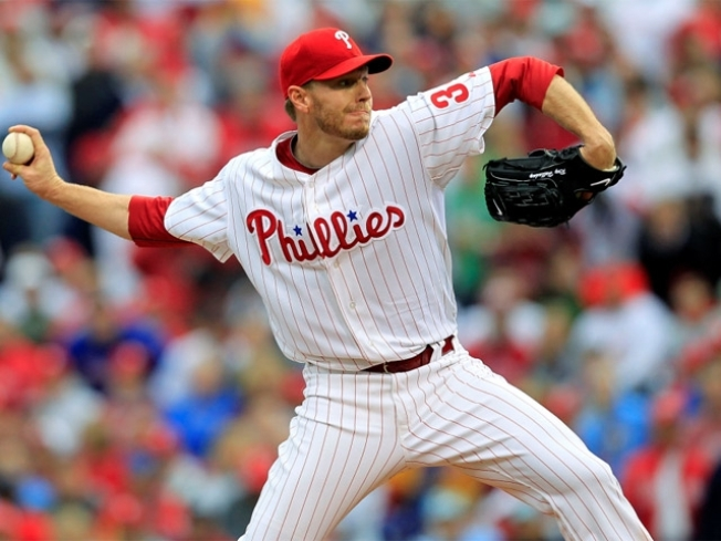 Halladay Wins as Phils Top Texas