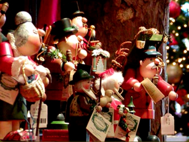 Only a Scrooge Would Say Bah Humbug to this X-mas Village