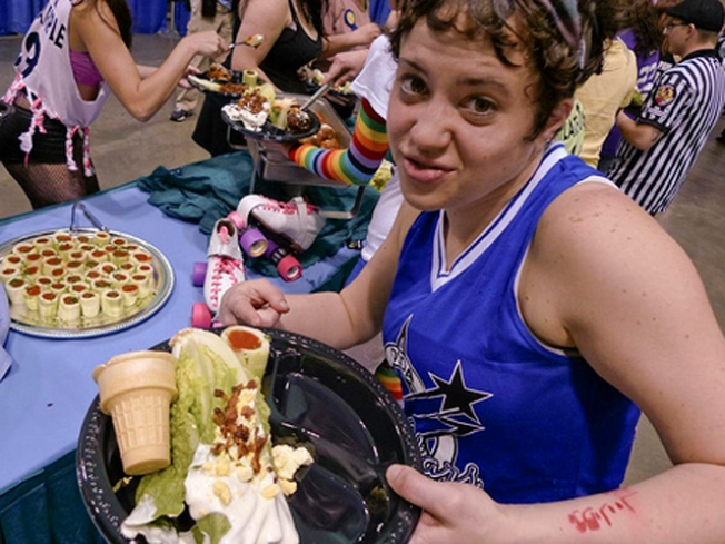 "Jersey Derby Girls Do ""Dinner Impossible"""