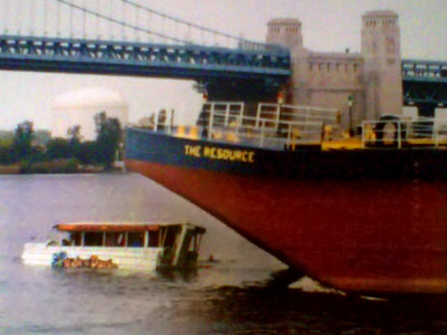 Duck Boat Captain Sues Tow Operators in Deadly Crash