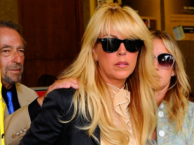 "Attorney: Dina Lohan ""Disappointed"" In ""Glee"""