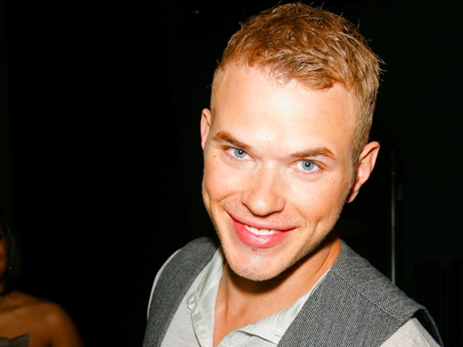 Kellan Lutz's Handcuffed Experience With An Obsessed Twi-Hard