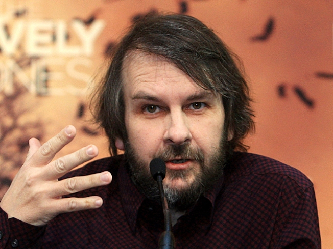 """Hobbit"" Director Peter Jackson Recovering After Ulcer Surgery"