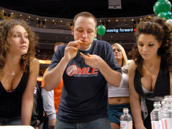 Amateurs Only: Wing Bowl 17 to Exclude Professional Eaters