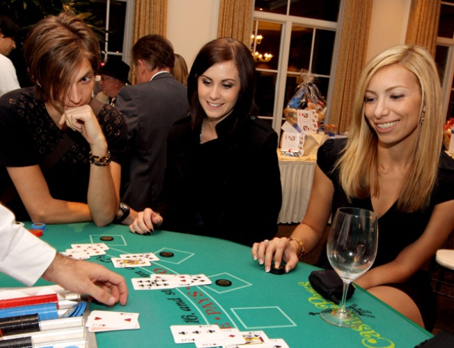 1/5: Poker Skills, Singing and Specials on Drinks