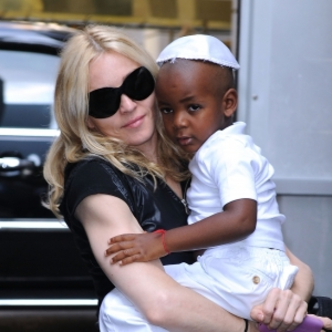 Officials: Madonna Trying To Adopt Second Malawian Child