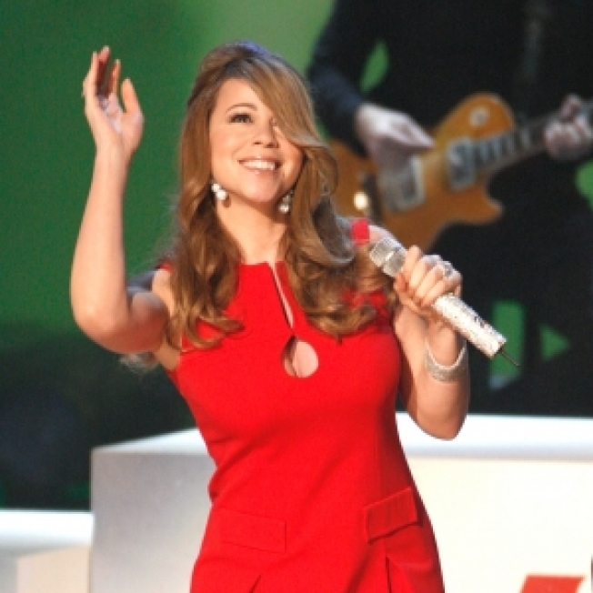 Access Exclusive: Mariah Carey To Sing 'Hero' For Obama