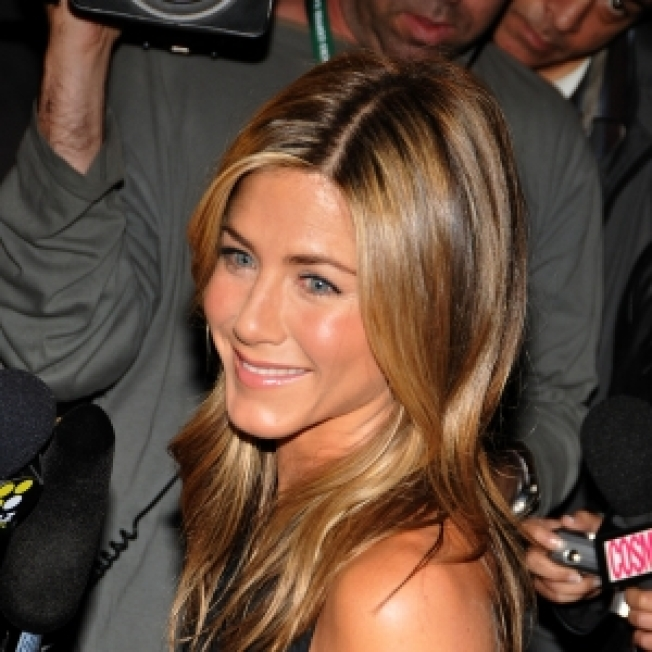 Jennifer Aniston On Her GQ Cover: 'It's Photoshopped!'