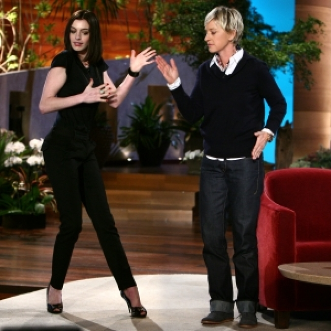 Anne Hathaway On Her Ex & Finding Her Sense Of Humor