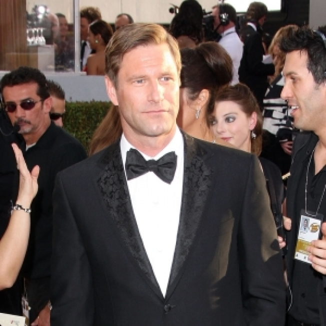 Aaron Eckhart On Heath Ledger's Absence From Globes: 'I Wish He Was Here'