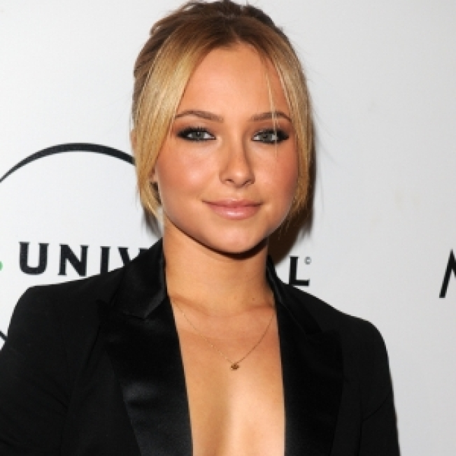 ROLL CALL: Hayden Panettiere Snaps At The Snappers