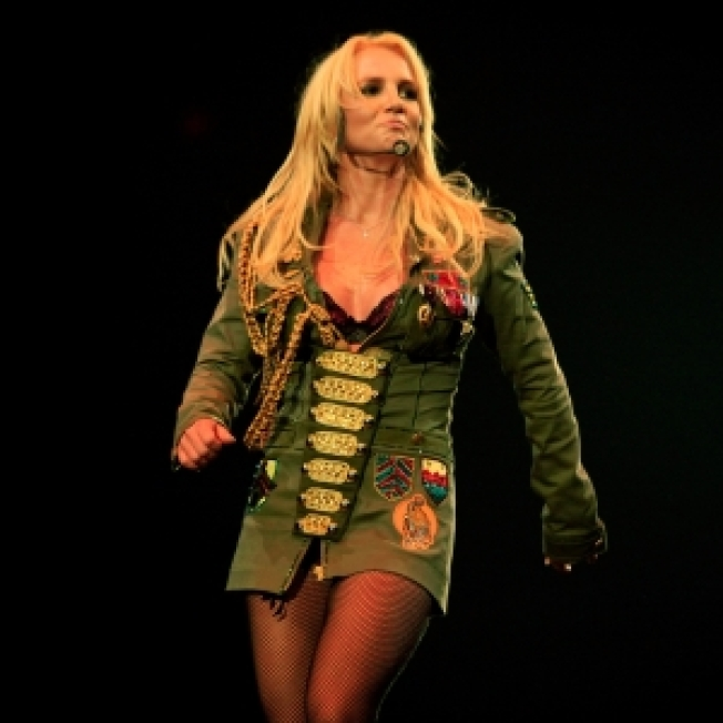 Police: Britney Fan Arrested After Jumping On Stage