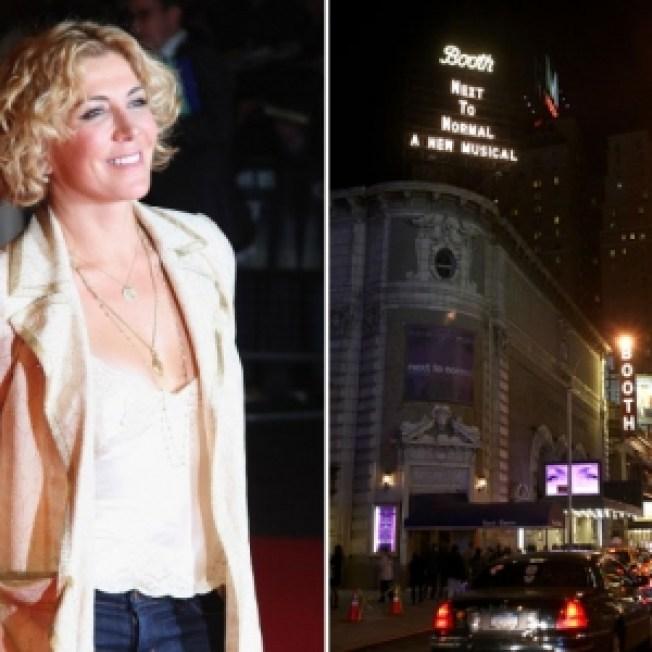 Broadway Theaters Dim Lights To Honor Natasha Richardson