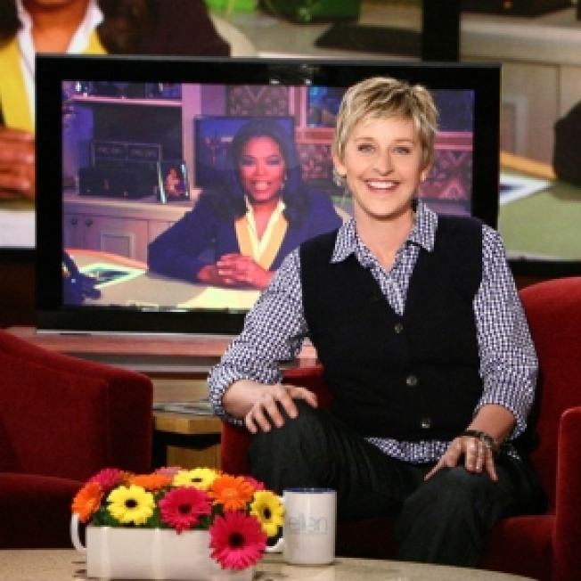 Oprah Offers To Share O Magazine Cover With Ellen DeGenere
