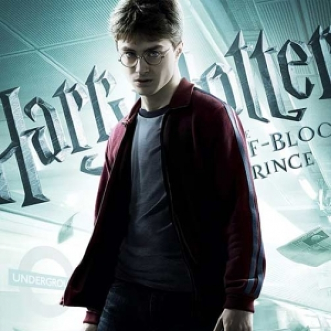 'Harry Potter' Sweeps Into Theaters 2 Days Early