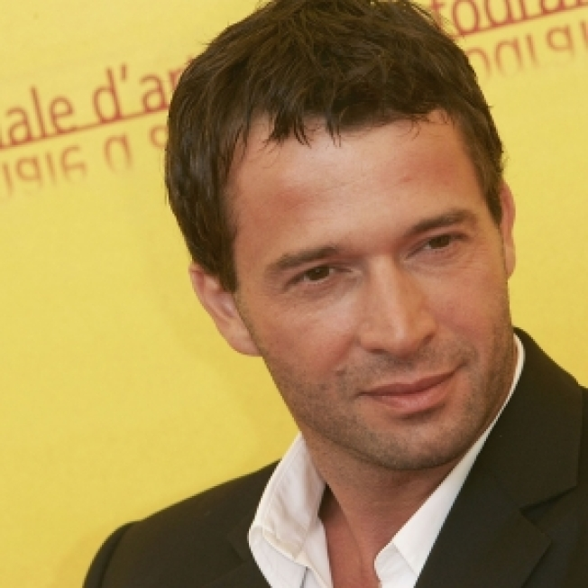 James Purefoy Gets Advice From 'Life,' 'Grey's' Pals For 'The Philanthropist'