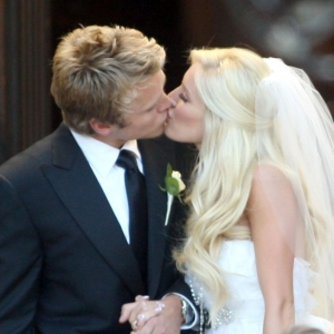 Heidi Montag Tweets On Married Life: 'Waking Up With My Husband Is Beyond Words!'