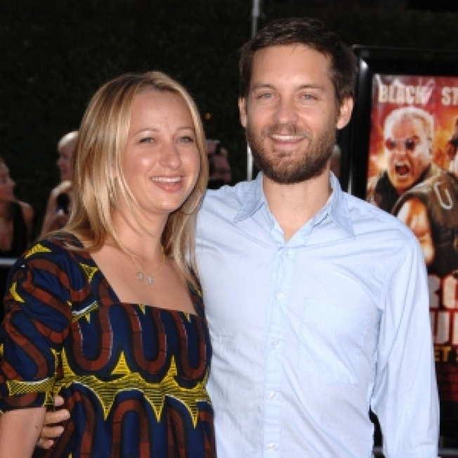 It's A Boy For Tobey Maguire & Jennifer Meyer
