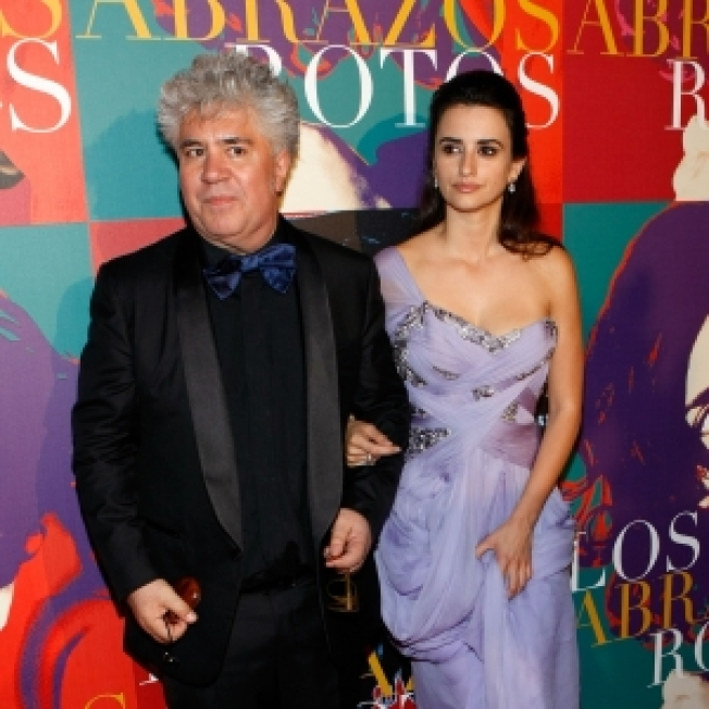 Penelope Cruz Casts Aside Onset Jitters To Shine In Almodovar's 'Broken Embraces'