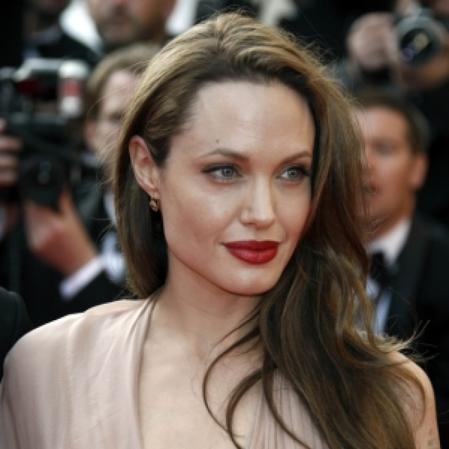 Angelina Jolie Pens Article About Impending U.N. Decision On Darfur President