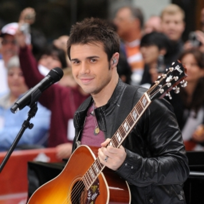 'Idol' Winner Kris Allen To Perform The National Anthem At Sunday's Game 2 Of NBA Finals