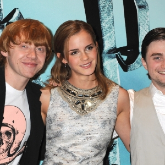 Stars Due At London Premiere Of 'Harry Potter And The Half-Blood Prince;' Brush Off Swine Flu