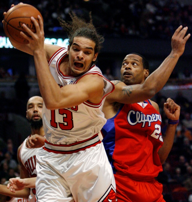 NBA Wrap: Rose Hits a 3 in OT to Put Bulls Over Clips