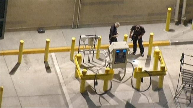 2nd Los Angeles Airport Worker Arrested for Dry Ice Bombs
