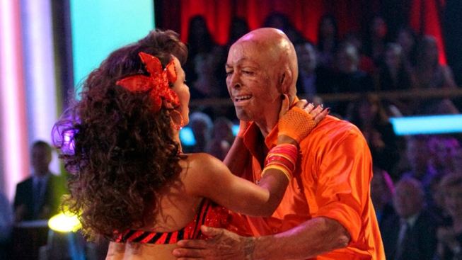 "J.R. Martinez Waltzes Closer to ""DWTS"" Victory"