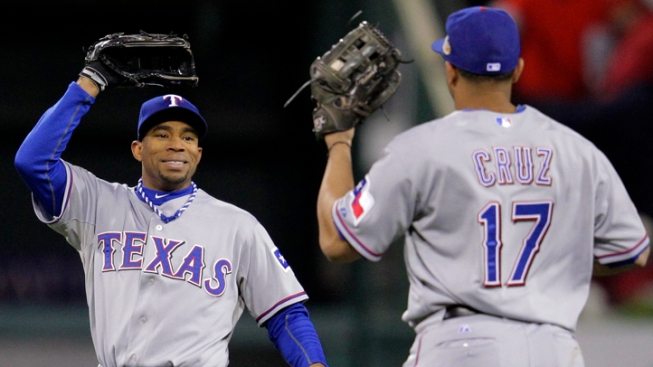 Rangers Rally to Beat Cardinals in Game 2