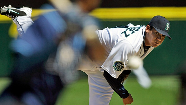 Hernandez Throws Perfect Game in Mariners' Win over Tampa