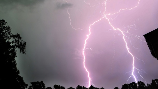 Lightning Strikes 6 Homes