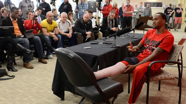 Louisville Guard Ware Upbeat Despite Broken Leg