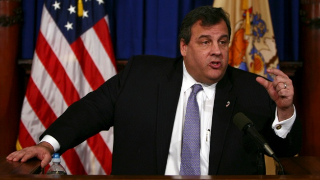 Christie Maintains Strong Lead in Governor's Race: Poll
