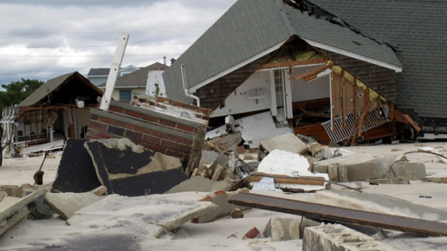 Town to Tear Down Sandy-Wrecked Homes