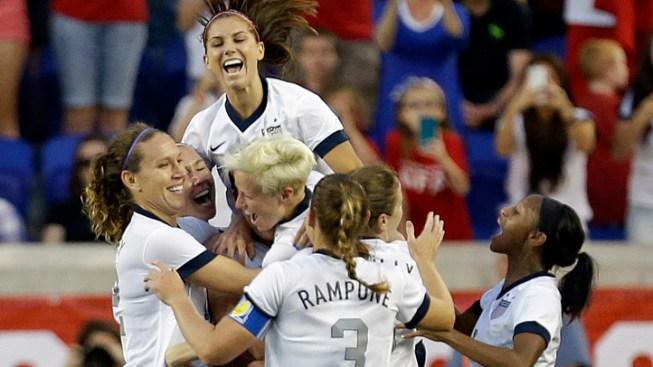 Abby Wambach Breaks Mia Hamm's Career Goals Record