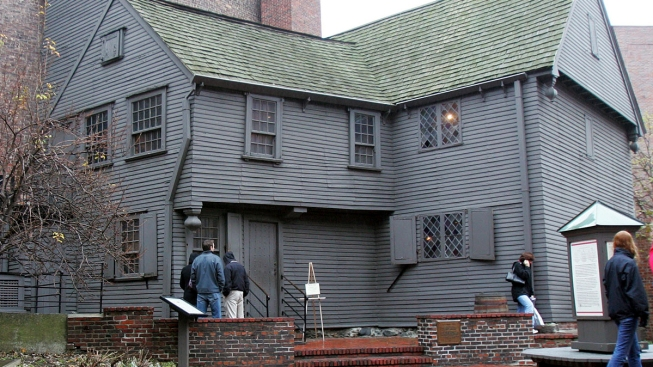 Archaeologists Digging for Fossilized Feces Near Paul Revere's Home