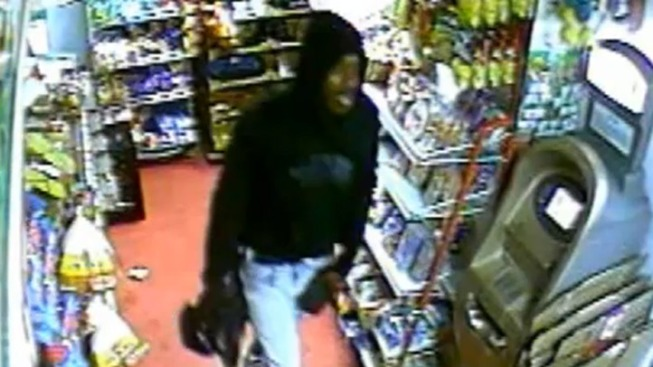 Robbers Target Convenience Store: Cops
