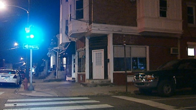 Man Shot Inside Barbershop: Cops