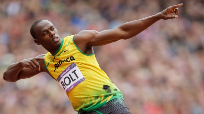 Bolt Gets Through Olympic 200 Prelims in a Breeze