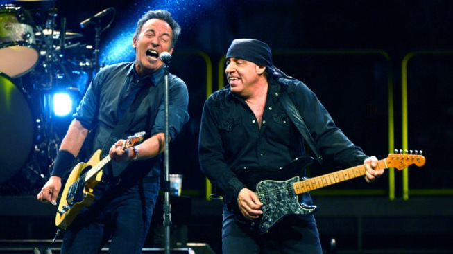 Steven Van Zandt urges Rutgers grads to stay true to Jersey roots