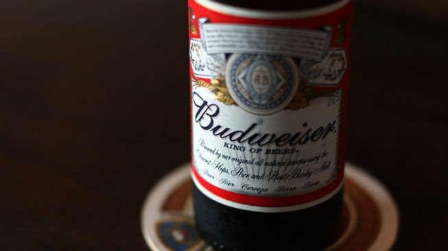Drinkers Sue Anheuser-Busch, Claim Beer is Watered Down
