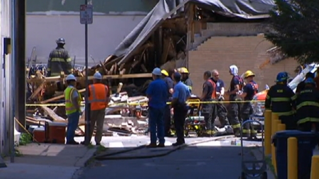 Witnesses Display Courage in Deadly Building Collapse